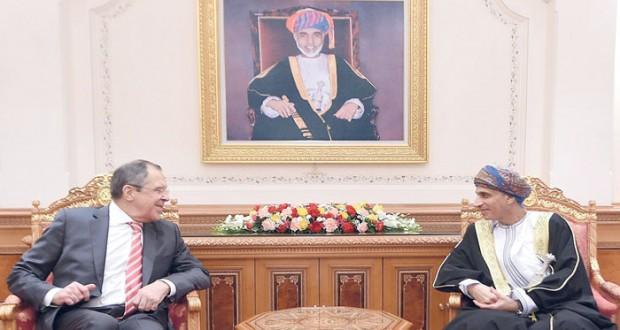 فهد بن محمود يستقبل سيرجي لافروف ويستعرض معه العلاقات الثنائية وسبل دعم التعاون وتفعيل الاتفاقيات بين السلطنة وروسيا الاتحادية