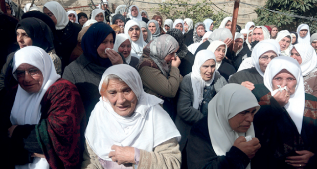 شهيد وحملة اعتقالات مع استمرار حصار الضفة