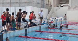 بعثة منتخبنا الوطني للسباحة تصل الدوحة واليوم انطلاق منافسات العمومي