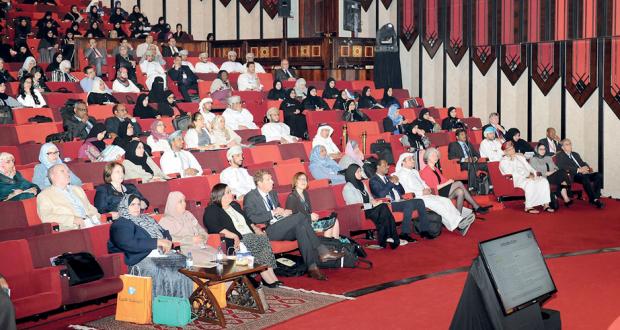 تواصل جلسات المؤتمر السادس للرعاية الصيدلانية بمسقط