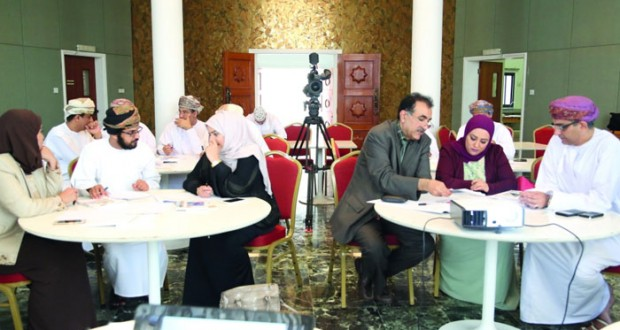 المنتدى الأدبي يناقش الواقع والمأمول في حلقة عمل متخصصة بالنادي الثقافي