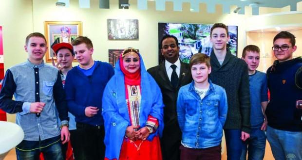 جناح السلطنة في معرض فيلانيوس الدولي للكتاب يشهد إقبالا كبيرا من قبل الزوار
