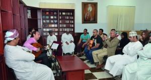 عمر البشير يسرد حكايته مع العود ومدى تأثره بمدرسة الفنان الراحل منير