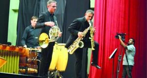 فرقة ياكارندا الألمانية تنظم رحلة حول العالم في أمسية موسيقية بالوطية