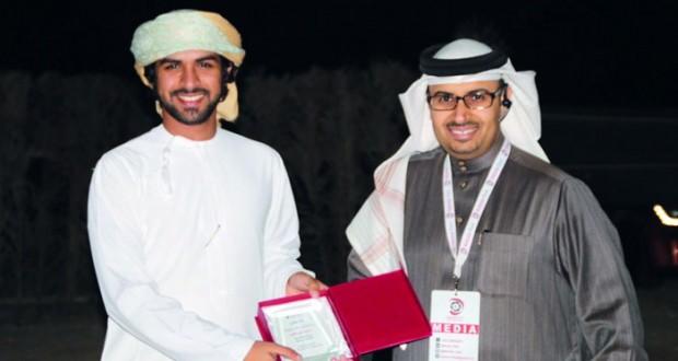 المصور سيف الكعبي يستعرض مشاركته في مهرجان البحرين رو الثاني للتصوير الضوئي