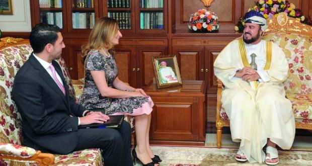 نيابة عن جلالة السلطان أسعد بن طارق يـودع السفيرة الإيطالية