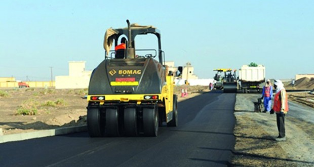البلديات الإقليمية تواصل العمل فـي رصف أكثر من 1550 كيلومترا لمشاريع الطرق الداخلية