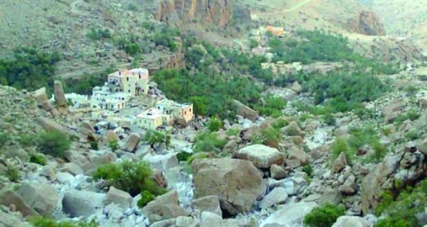 """""""عمق الرباخ"""" .. قرية سياحية بين أحضان جبال قريات"""