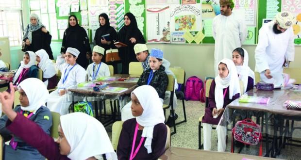 اللجنة الفنية للدراسة الدولية بيرلز تختتم زياراتها لمدارس مسقط
