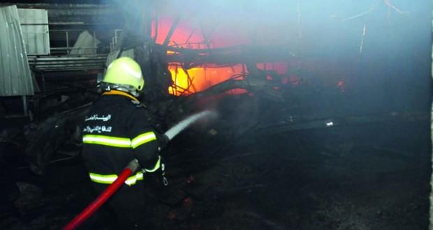 الهيئة العامة للدفاع المدني والإسعاف تخمد حريق بالمعبيلة الصناعية