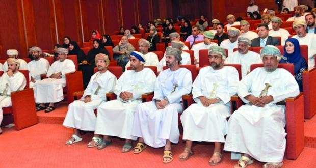 """أعضاء من """"الشورى"""" وأولياء أمور يطالبون باعادة النظر بواقع المعاقين بالسلطنة"""