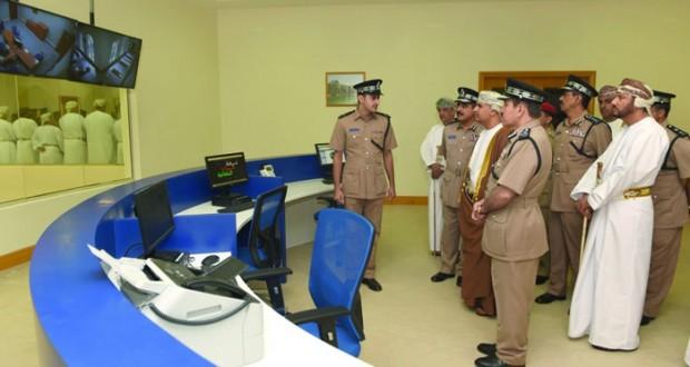 شرطة عمان السلطانية تحتفل بافتتاح مركز شرطة صلالة الجديد بمحافظة ظفار