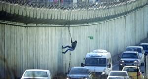 الإرهاب الإسرائيلي يدهس فلسطينية ونيران الاحتلال تقتل أحد جنوده