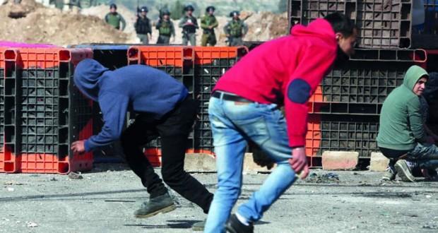 الاحتلال يصيب الفلسطينيين بالرصاص في غزة وقنابل الغاز بالضفة ويعزل قباطيا