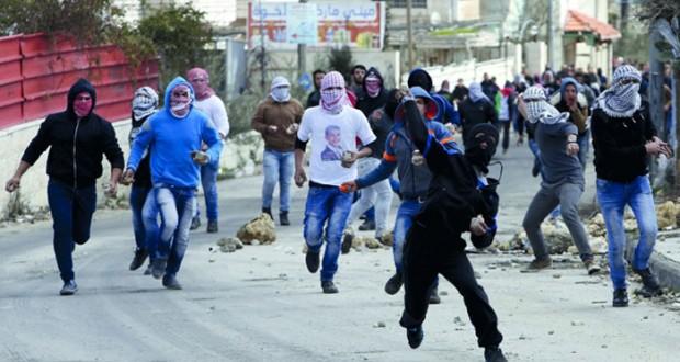 الاحتلال يشن حملة اعتقال وقمع بالضفة والفلسطينيون يجددون مطالبتهم بإلزام إسرائيل بحل الدولتين