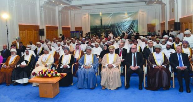 الوزير المسئول عن الشئون الخارجية يرعى فعاليات الملتقى العلمي لأسبوع التقارب والوئام الإنساني الخامس بجامع السلطان قابوس الأكبر