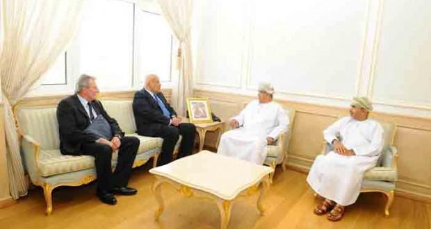 وزير الصحة يستقبل جراح القلب المصري مجدي يعقوب