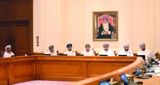 الشورى يناقش الإجراءات والوسائل التي تتخذها الحكومة لمعالجة انخفاض أسعار النفط