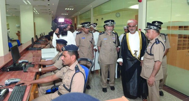 ضمن مشاريعها الخدمية .. شرطة عمان السلطانية تحتفل بافتتاح مبنى خدمات الشرطة بمصيرة