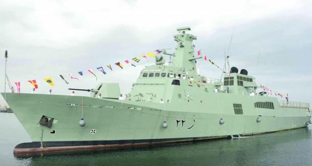 البحرية السلطانية العمانية تحتفل بانضمام السفينة (سدح) إلى أسطولها البحري