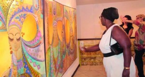 الاحتفاء بالمرأة الأفريقية بمعرض للرسوم في ساحل العاج