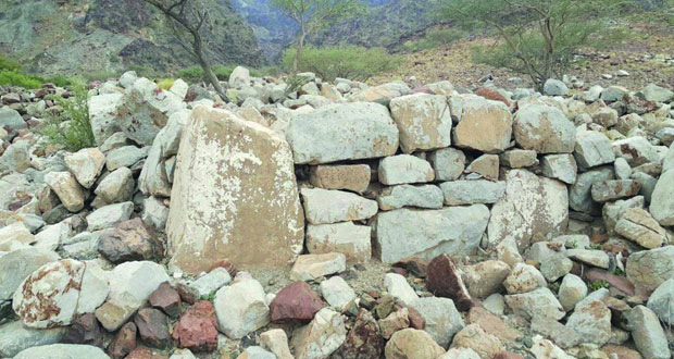 اكتشاف موقع أثري جديد قريب من بلدة الطوية بوادي حيبي في صحار