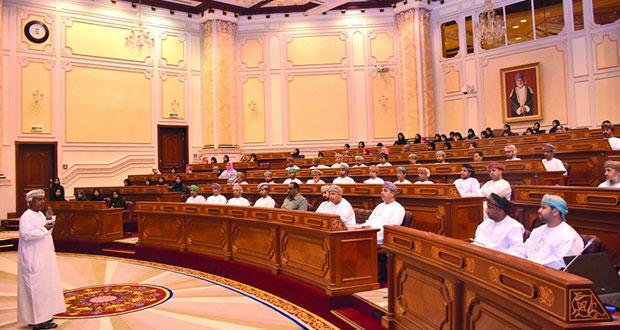 مناقشة تعزيز ورفع كفاءة العمل والخدمات بمجلس المناقصات