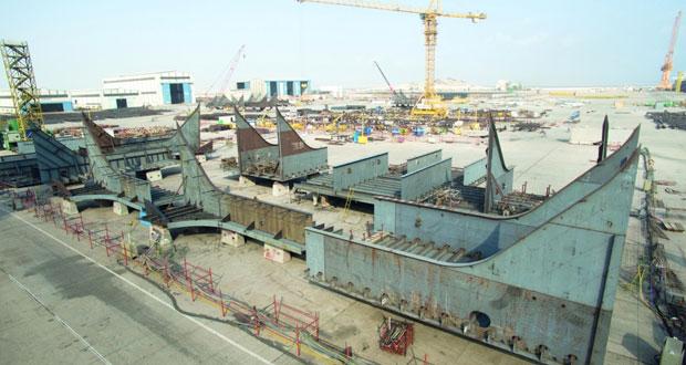 عمان للحوض الجاف تستعد لتحويل السفينة اليونانية العملاقة «تروفي» بمشاركة 300 عامل