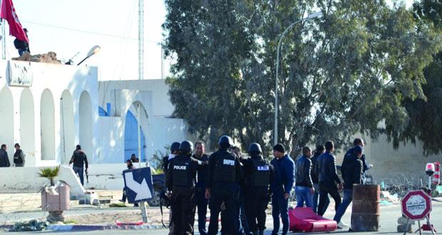 الجيش التونسي يتصدى لداعش في بن قردان .. والمواجهات تخلف 53 قتيلا