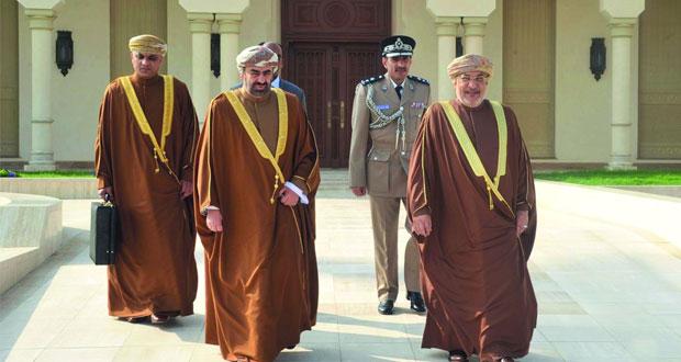 بتكليف من جلالة السلطان .. رئيس مجلس الدولة يترأس وفد السلطنة في القمة الإسلامية الطارئة اليوم