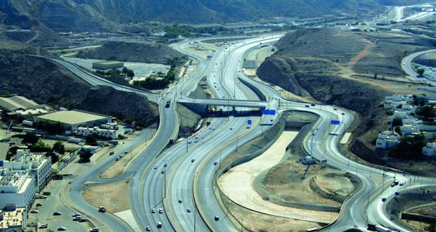 مسئولون ومختصون يؤكدون أهمية صدور قانون النقل البري تعزيزا لمكانة السلطنة الاستثمارية والاقتصادية وتنظيما للإجراءات والتشـريعات