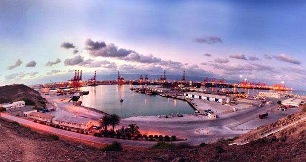 2.2 مليار ريال عماني فائضا بالميزان التجاري للسلطنة بنهاية 2015