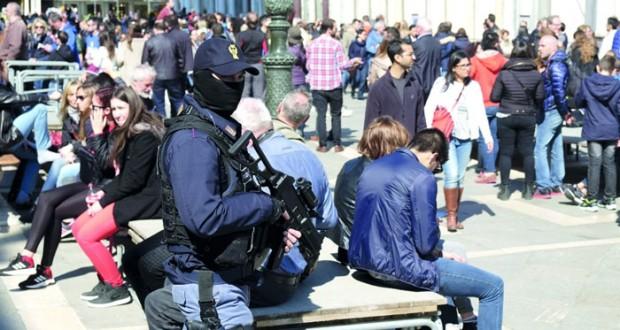 هجمات بروكسل : مداهمات جديدة للشرطة ومشتبه به في فرنسا