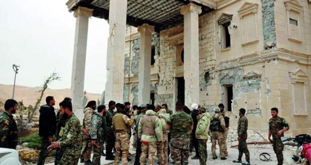 الجيش السوري يحكم قبضته على قلعة تدمر الأثرية ومقتل الرجل الثاني في (داعش)