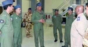 قائد سلاح الجو السلطاني العماني يزور التمرين الجوي المشترك