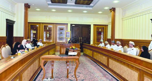 عائشة السيابية تترأس اجتماع مجلس إدارة الهيئة العامة للصناعات الحرفية