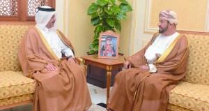الوزير المسؤول عن شؤون الدفاع يستقبل سفير دولة قطر