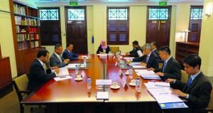 جلسة مشاورات سياسية ولقاءات بين السلطنة وسنغافورة