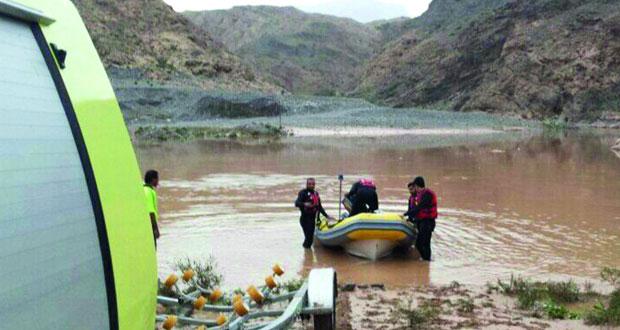 الهيئه العامة للدفاع المدني والإسعاف تنقذ «31 » شخصاً من مجرى سد وادي ضيقة بولاية قريات