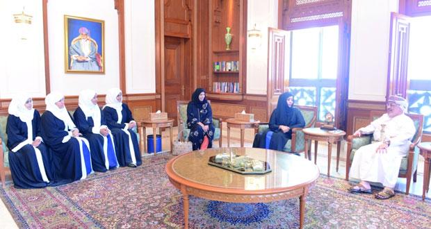 رئيس مجلس الدولة يلتقي بعدد من طالبات الدمج السمعي بجنوب الشرقية
