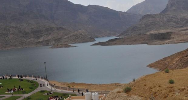 تواصل هطول الأمطار و(وادي ضيقة) يحتجز 5ر4 مليون متر مكعب من المياه