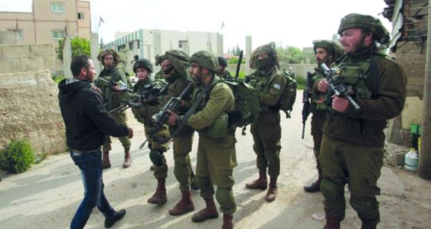 جيش الاحتلال يحاصر الضفة بيوم (المساخر) ومستوطنوه يقتحمون الأقصى