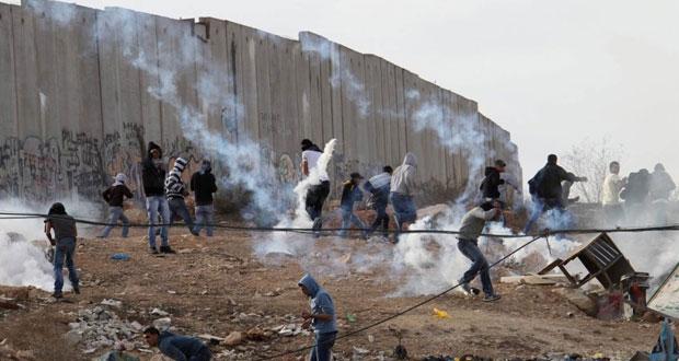 جيش الاحتلال يشن حملة اعتقالات في الضفة ويحول منزلا فلسطينيا إلى نقطة تفتيش