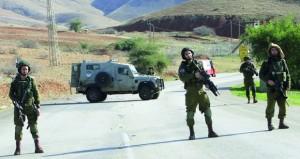 الاحتلال يفتح نيرانه صوب غزة ويصيب ويعتقل العشرات في (الضفة)