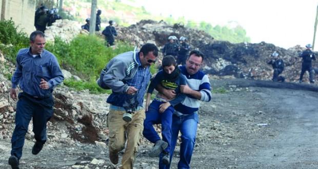 الاحتلال يعدم فلسطينية ميدانيا وجرافاته تشرد عشرات العائلات بالضفة