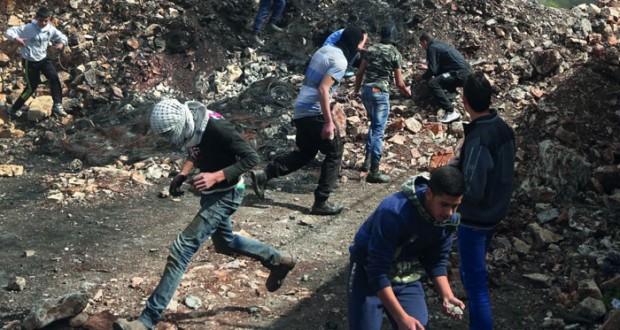 الفلسطينيون يطالبون بإلزام الاحتلال بالإفراج الفوري عن جثامين الشهداء