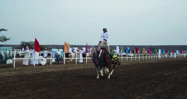 فعاليات تراثية وشعبية متنوعة في مهرجان صحار لرياضات الخيل التقليدية