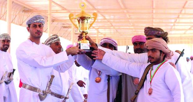 المرضوف يرعى اختتام البطولة الأولى للرماية التقليدية ببلدة الهيال بعبري