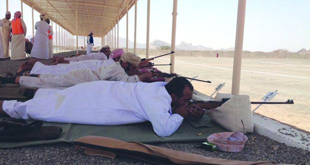 اليوم انطلاق منافسات البطولة الأولى للرماية بالأسلحة التقليدية على ميدان الهيال بعبري