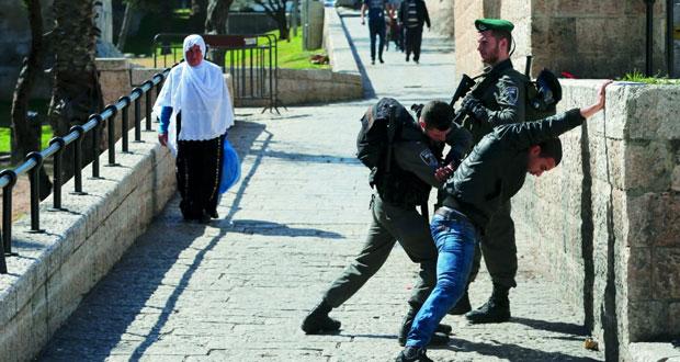 إسرائيل تعدم فلسطينيين ميدانيا وقرارات جديدة لـ (الإبعاد)
